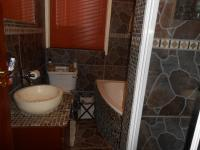 Main Bathroom - 6 square meters of property in Villieria