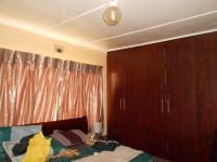 Bed Room 1 - 12 square meters of property in Klopperpark