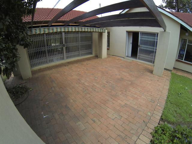 3 Bedroom House For Sale in Jukskei Park - Home Sell - MR106437