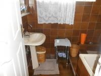 Main Bathroom - 6 square meters of property in Vrededorp