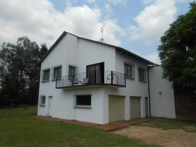 Absa Bank Trust Property 5 Bedroom House For Sale in Glen Austin A.H. - MR106490