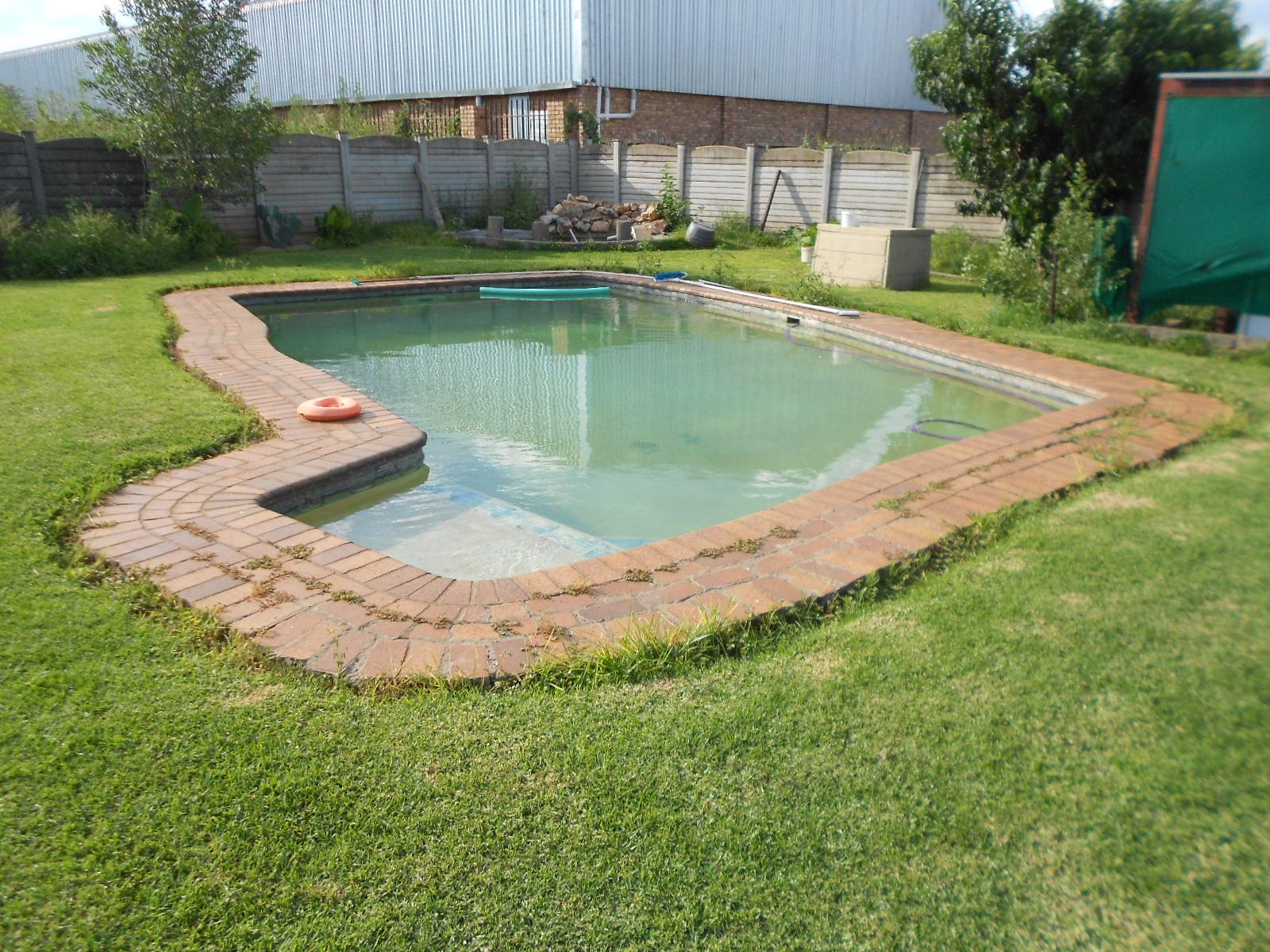 Garden of property in Witkopdorp (Daleside)