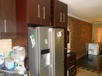 Kitchen - 18 square meters of property in Theresapark