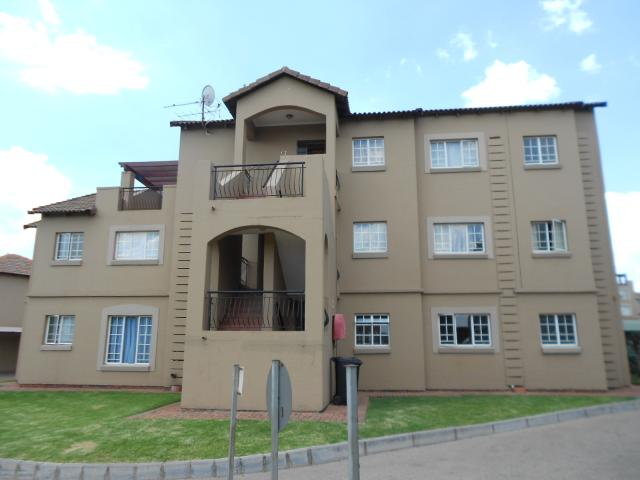 2 Bedroom Simplex for Sale For Sale in Germiston - Home Sell - MR106545