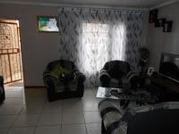 Lounges - 17 square meters of property in Boksburg