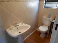 Bathroom 1 - 3 square meters of property in Kengies