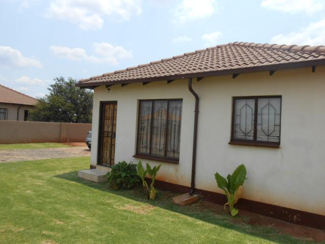 2 Bedroom House For Sale in The Orchards - Home Sell - MR106637