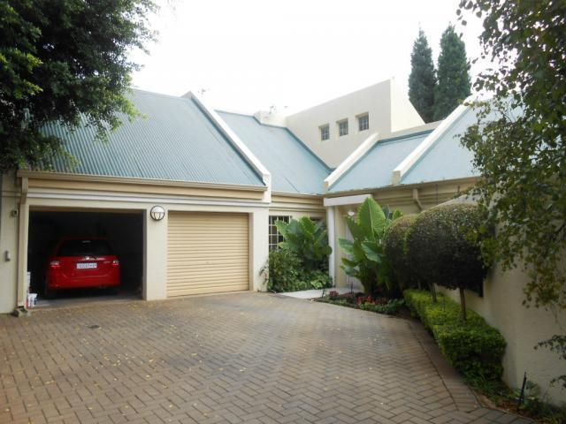 Standard Bank EasySell 3 Bedroom Apartment for Sale For Sale in Newlands - JHB - MR106706