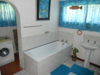 Bathroom 1 - 11 square meters of property in Shelly Beach
