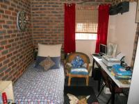 Bed Room 2 - 8 square meters of property in Lotus Park