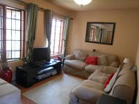 Lounges - 10 square meters of property in Raslouw