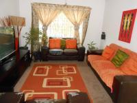 Lounges - 17 square meters of property in Rosslyn