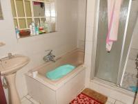 Bathroom 1 - 7 square meters of property in Discovery