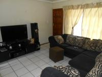 Lounges - 15 square meters of property in Roodepoort West