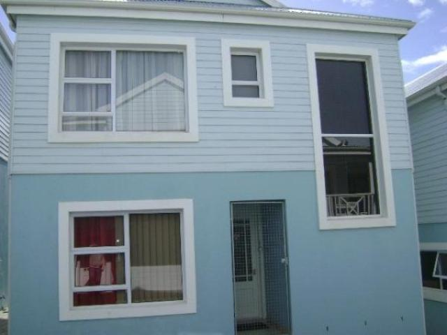 3 Bedroom Duplex For Sale in Jeffrey's Bay - Private Sale - MR107024