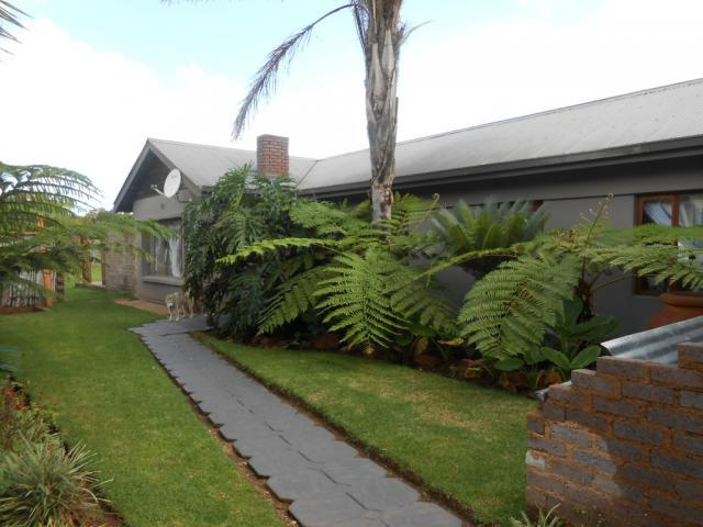 3 Bedroom House For Sale in Krugersdorp - Private Sale - MR107030