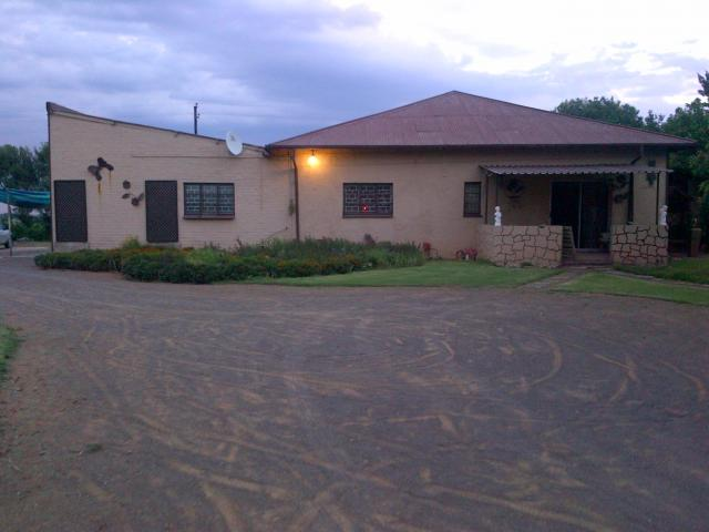 Smallholding For Sale in Bloemfontein - Home Sell - MR107036