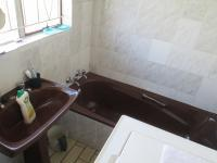 Main Bathroom - 2 square meters of property in Protea North