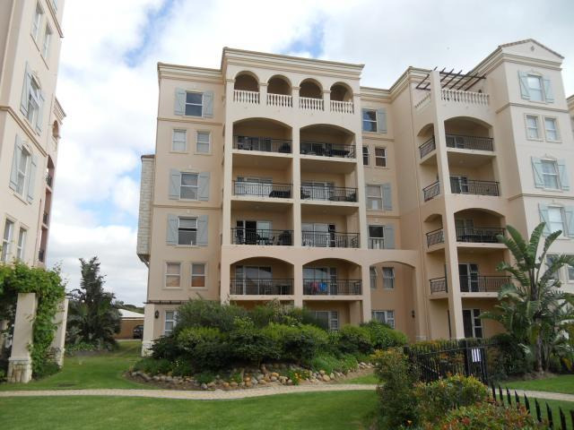 2 Bedroom Apartment For Sale in Mossel Bay - Private Sale - MR107100
