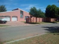 4 Bedroom 1 Bathroom in Klerksdorp