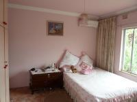 Bed Room 3 - 12 square meters of property in Umhlatuzana