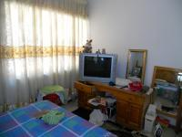 Bed Room 4 - 12 square meters of property in Umhlatuzana