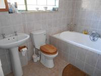 Main Bathroom - 5 square meters of property in Nest Park