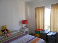Bed Room 1 - 13 square meters of property in Fourways Gardens