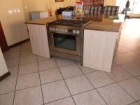 Kitchen - 23 square meters of property in Sonneveld