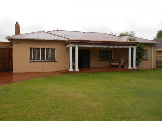 4 Bedroom House for Sale For Sale in Springs - Private Sale - MR107231