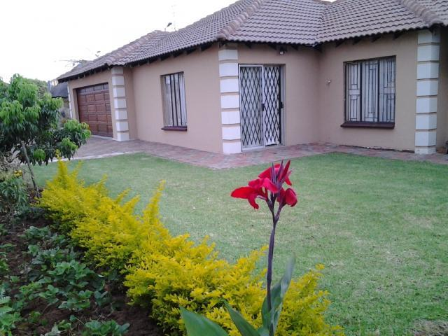 4 Bedroom House for Sale For Sale in The Orchards - Private Sale - MR107250