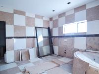Main Bathroom - 10 square meters of property in The Meadows Estate