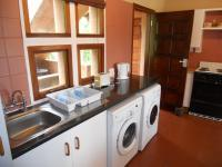 Kitchen - 13 square meters of property in Southbroom