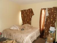 Main Bedroom - 15 square meters of property in Magalieskruin