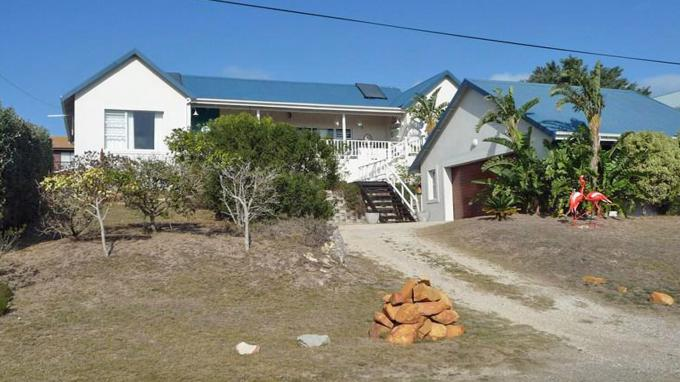 4 Bedroom House for Sale For Sale in Jeffrey's Bay - Private Sale - MR107360