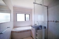 Main Bathroom - 4 square meters of property in Silverwoods Country Estate