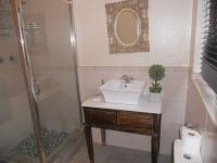 Bathroom 1 - 3 square meters of property in Fourways