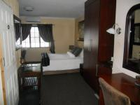 Bed Room 2 - 21 square meters of property in Fourways