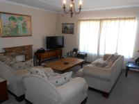 Lounges - 22 square meters of property in Somerset West