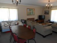 Dining Room - 21 square meters of property in Somerset West