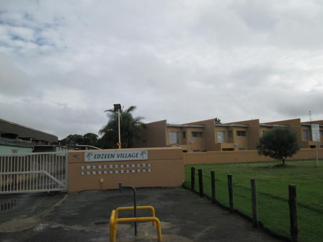 2 Bedroom Sectional Title for Sale For Sale in Kempton Park - Home Sell - MR107375