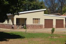 Garden of property in Mookgopong (Naboomspruit)