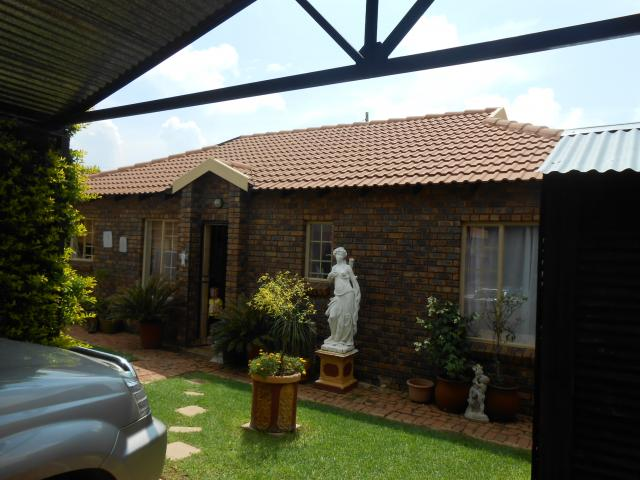 3 Bedroom Sectional Title for Sale For Sale in Andeon - Home Sell - MR107419