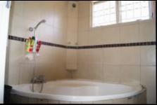 Main Bathroom - 5 square meters of property in Orient Hills