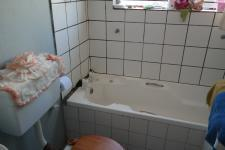 Bathroom 1 - 3 square meters of property in Retreat
