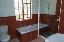 Bathroom 1 - 7 square meters of property in Malmesbury
