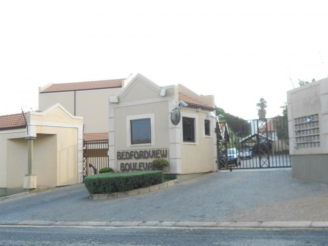 2 Bedroom Simplex for Sale For Sale in Morninghill - Private Sale - MR107480