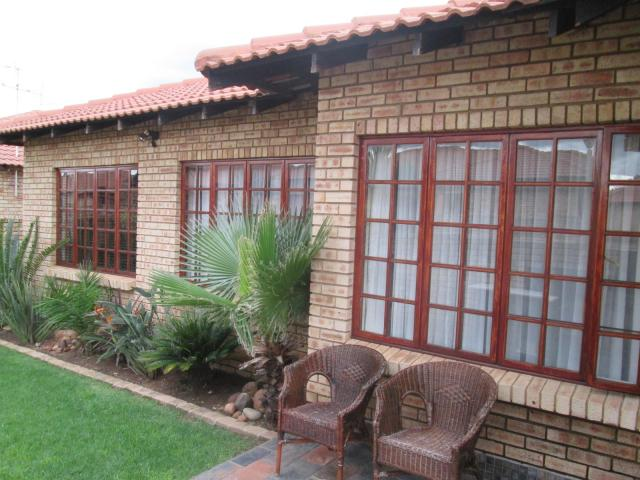 3 Bedroom Simplex For Sale in Alberton - Home Sell - MR107487