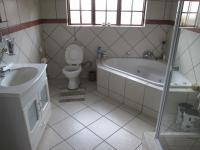 Bathroom 1 - 8 square meters