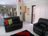 Lounges - 24 square meters of property in Randfontein